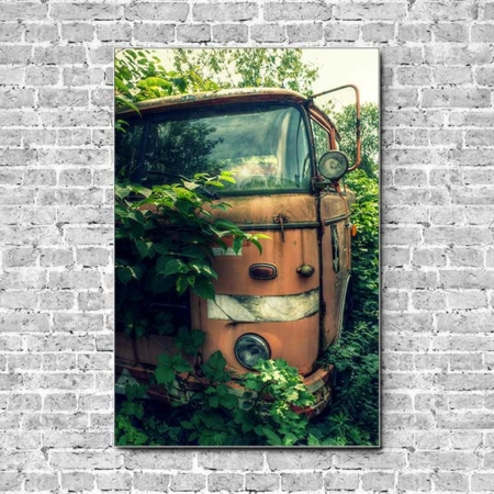 Stoffklang Akustikbild Hochformat Wand Lost Place LKW zugewachsen